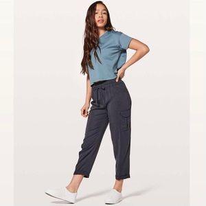 Lululemon move lightly pants 25''. 💙